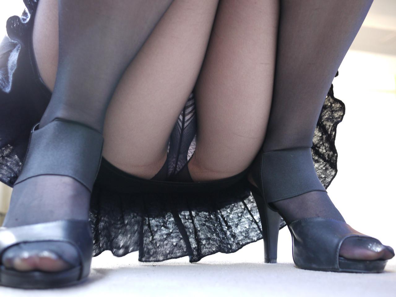 【股間フェチエロ画像】この1枚超えたら勝ち!最終目標な女の股間に大接近www 10