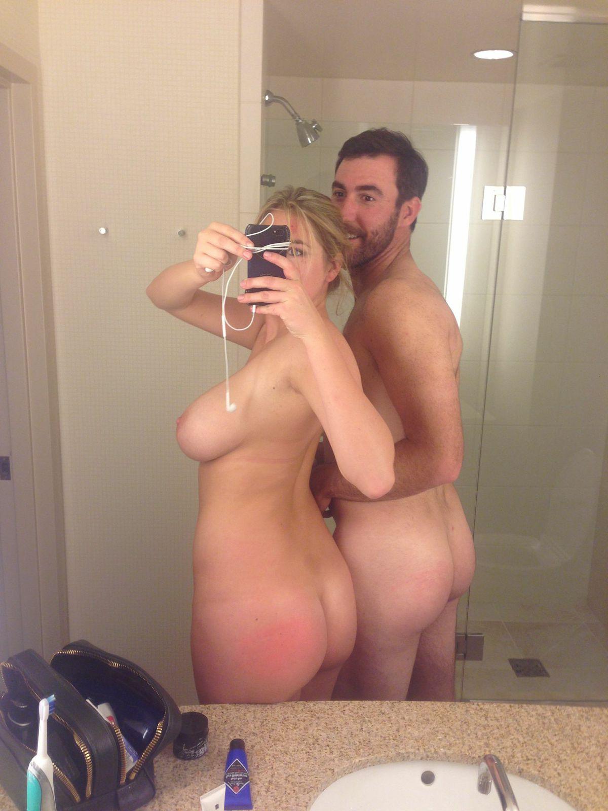 【海外エロ画像】美しさは罪…拘る外人美女たちの堂々たる自撮り裸体www 03
