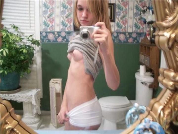 【海外エロ画像】美しさは罪…拘る外人美女たちの堂々たる自撮り裸体www 18