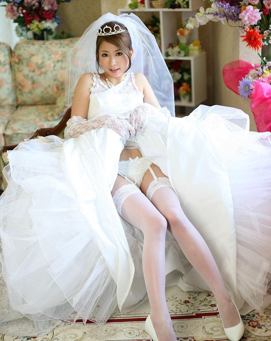 【コスプレエロ画像】結婚したら是非とも…初夜限定の乱れた純白ウェディングwww 09