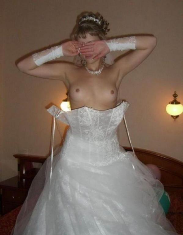 【コスプレエロ画像】結婚したら是非とも…初夜限定の乱れた純白ウェディングwww 12