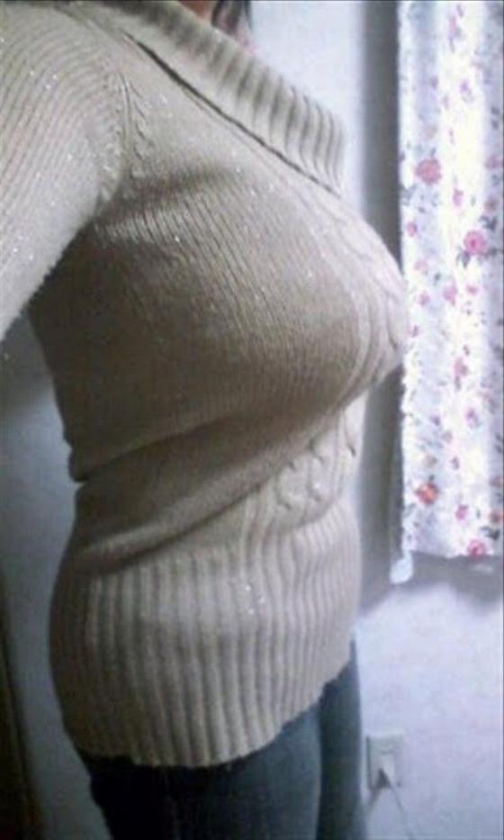 【着衣巨乳エロ画像】この存在感が視線を独り占め!圧倒的な着衣おっぱいwww 18