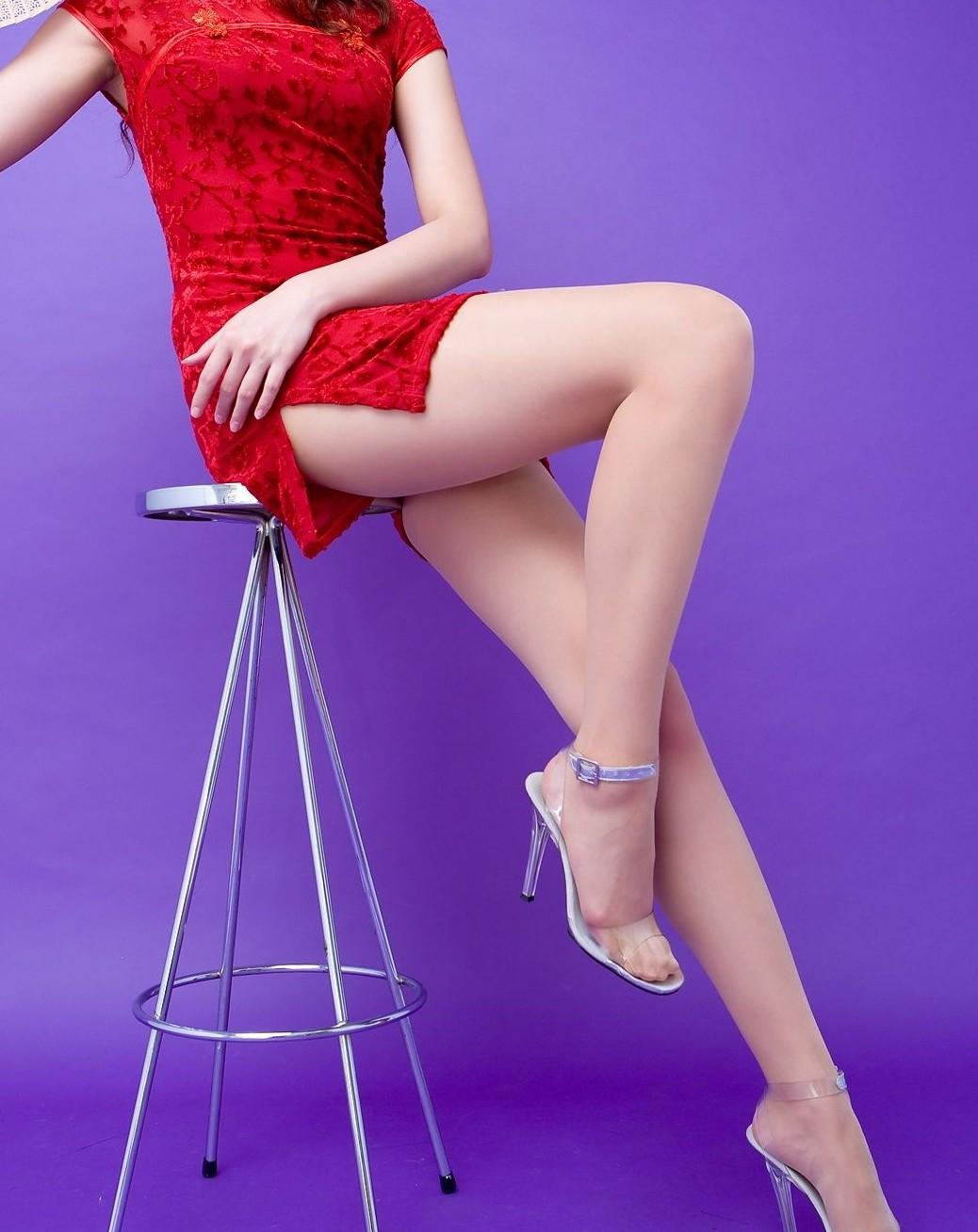 【コスプレエロ画像】真似できないこのスリット!美脚の魅せ方に定評あるチャイナドレスwww 11