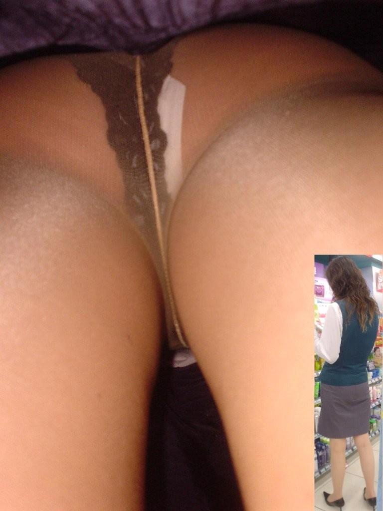 【パンチラエロ画像】技術高い方々のスカート潜行!プロだから成せる逆さ撮りwww 09