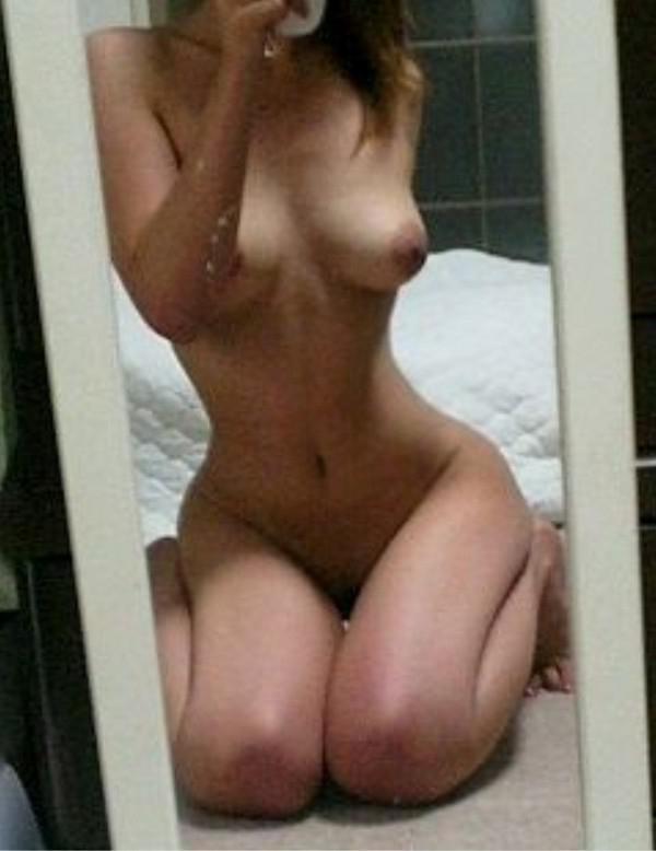 【自撮りエロ画像】女神の立派な趣味ですwセルフポートレートという名の裸体自撮りwww 09