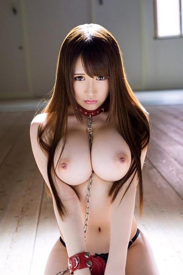 【SMエロ画像】装着中はあくまでペット扱いw首輪かけてM女を調教中www 01