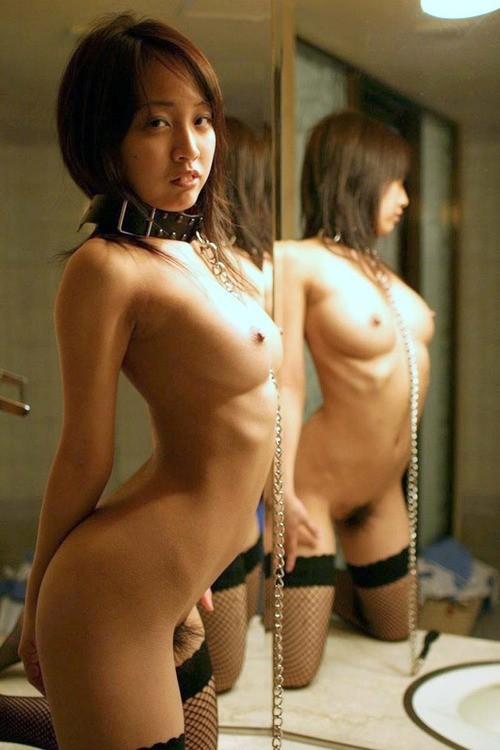 【SMエロ画像】装着中はあくまでペット扱いw首輪かけてM女を調教中www 09