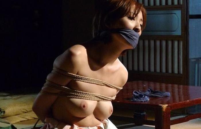 【SMエロ画像】イヤらしくも奥ゆかしい…拘束調教される和服美人たちwww 001