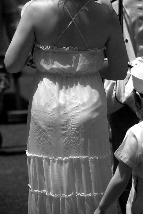 【透け下着エロ画像】高いカメラ使った成果w反則級の赤外線で下着クッキリ透けwww 03