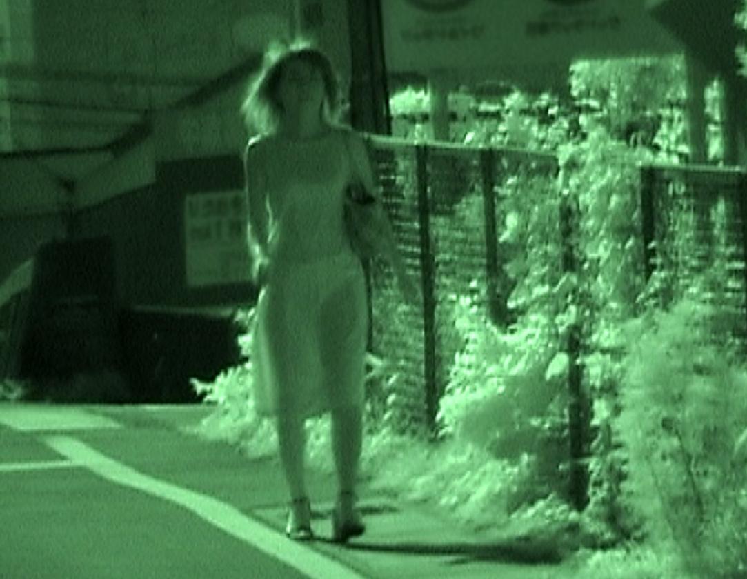 【透け下着エロ画像】高いカメラ使った成果w反則級の赤外線で下着クッキリ透けwww 13