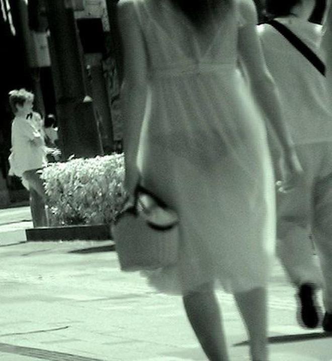 【透け下着エロ画像】高いカメラ使った成果w反則級の赤外線で下着クッキリ透けwww 19