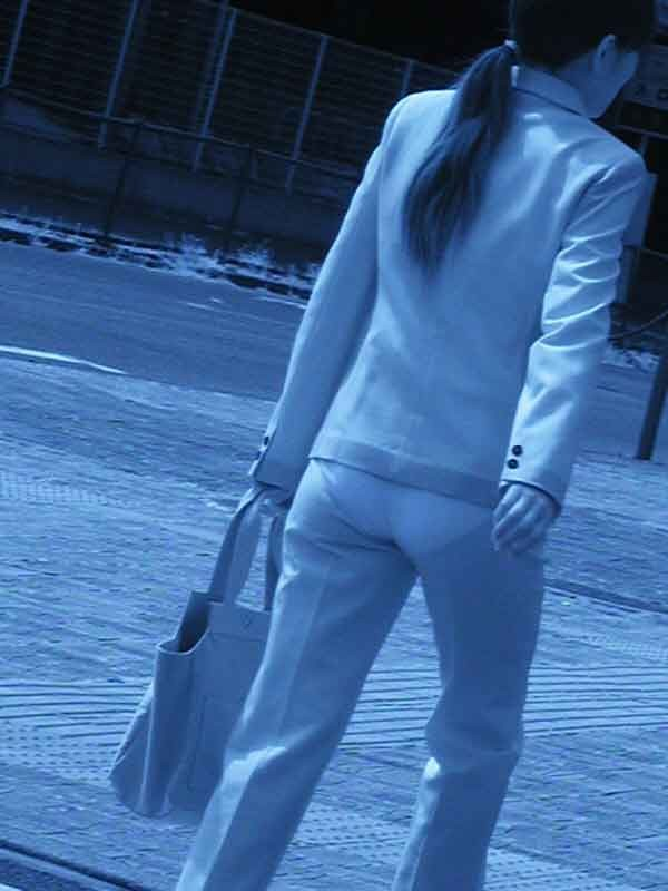 【透け下着エロ画像】高いカメラ使った成果w反則級の赤外線で下着クッキリ透けwww 20