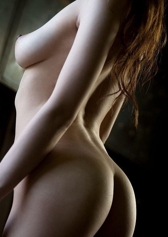 【女体エロ画像】ヤるまえに一礼しましょうw一糸まとわぬ全裸の美女www 11