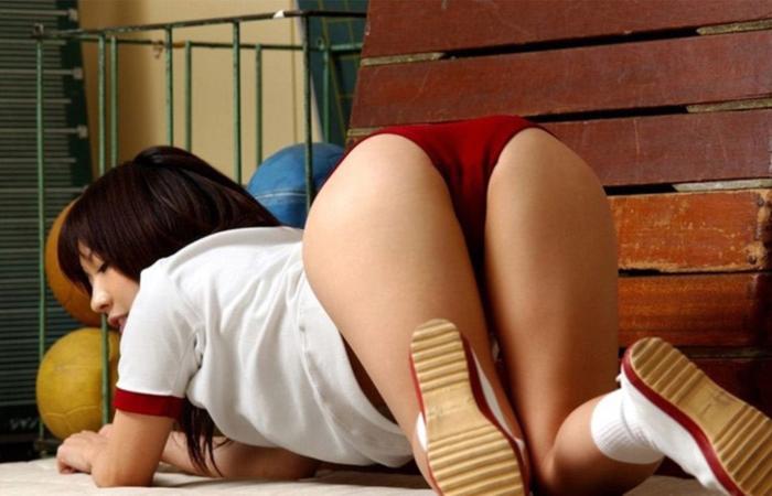 【ブルマエロ画像】お尻が自慢の女子なら…年齢に左右されず似合う人は素敵なブルマ 表紙