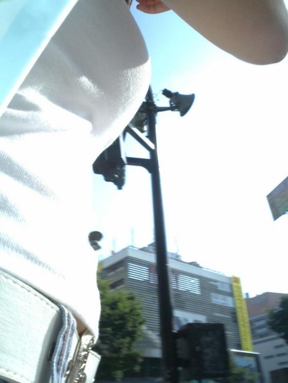 【巨乳エロ画像】多すぎて見ない事が無理w街中はイイ乳した女子だらけwww 08