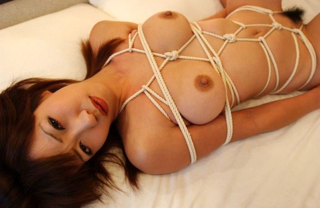 【SMエロ画像】ムッチリ成分多い程にそそる…緊縛放置されたM女の図www 05