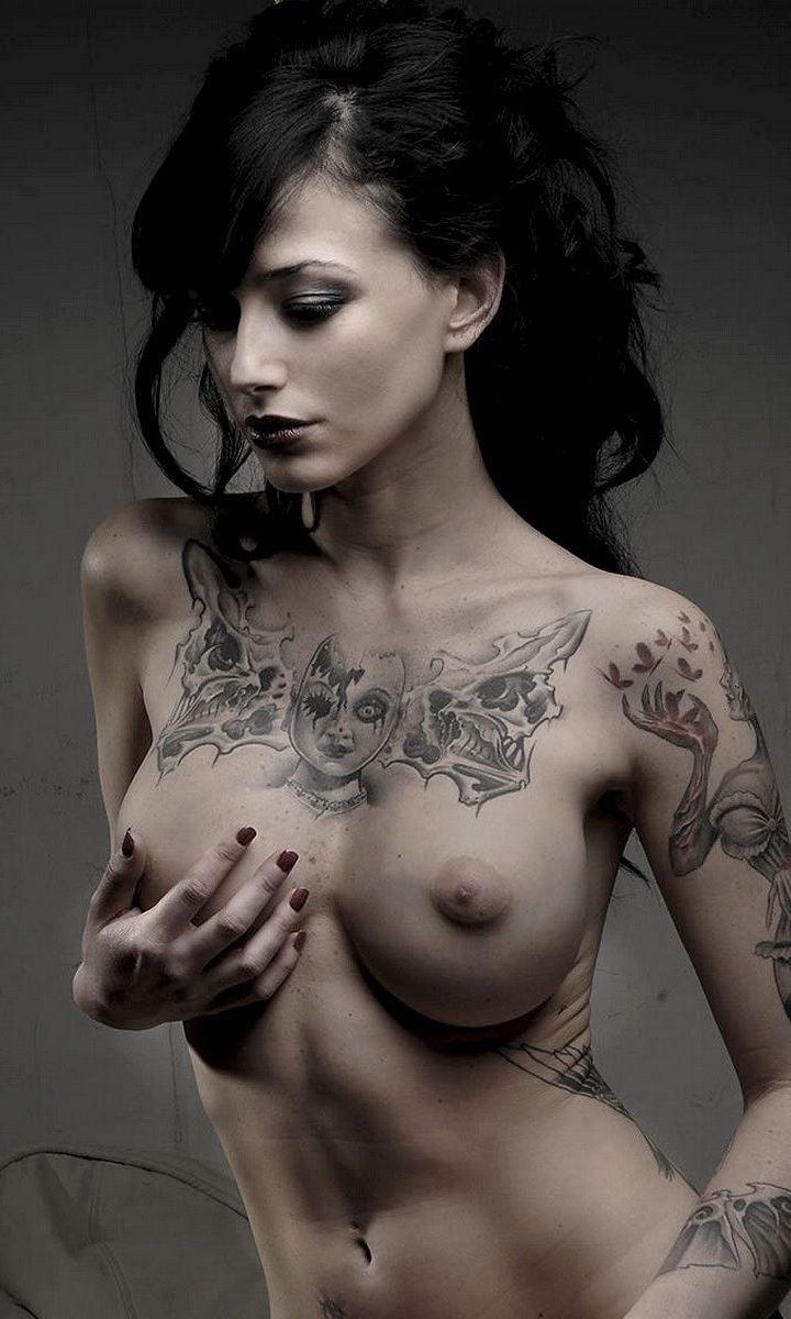 【女体エロ画像】ヘタレですいませんorz思い切らなきゃ抱けないタトゥー美女www 15