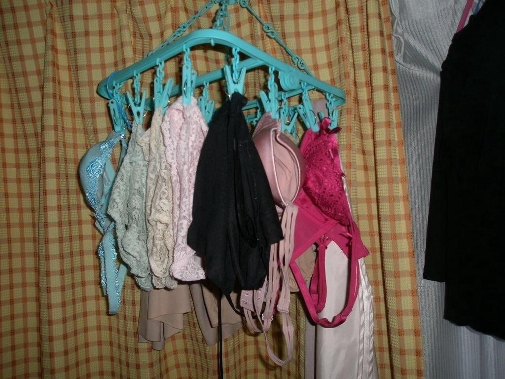 【下着フェチエロ画像】一体どんな人がコレを…持ち主が気になる洗濯後の下着www 03