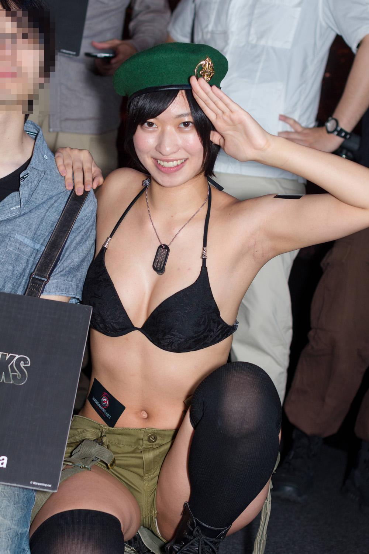 【腋フェチエロ画像】どれが美味しそう?様々業界にて女の腋下チェックwww 18