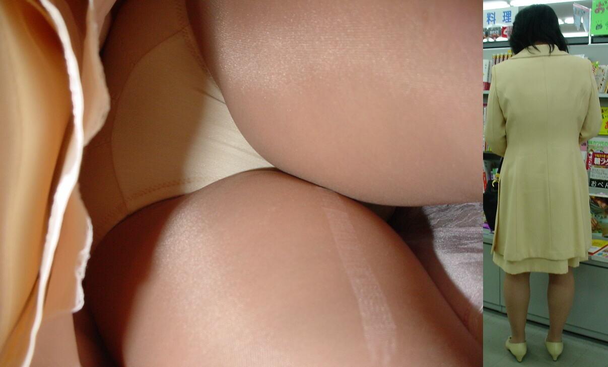 【裂けフェチエロ画像】伝線とかデニム破れとかw指摘したくなる服裂け女子www 16