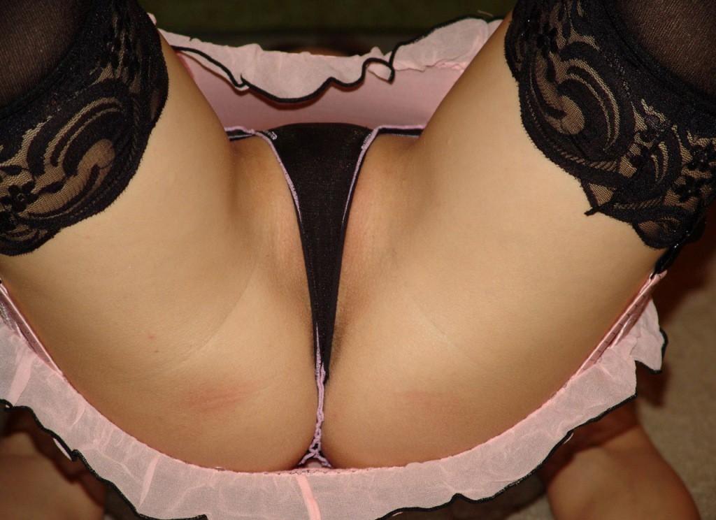 【アナルエロ画像】控えめにハミ出した方が強烈wTバックで隠せなかった尻の穴www 19