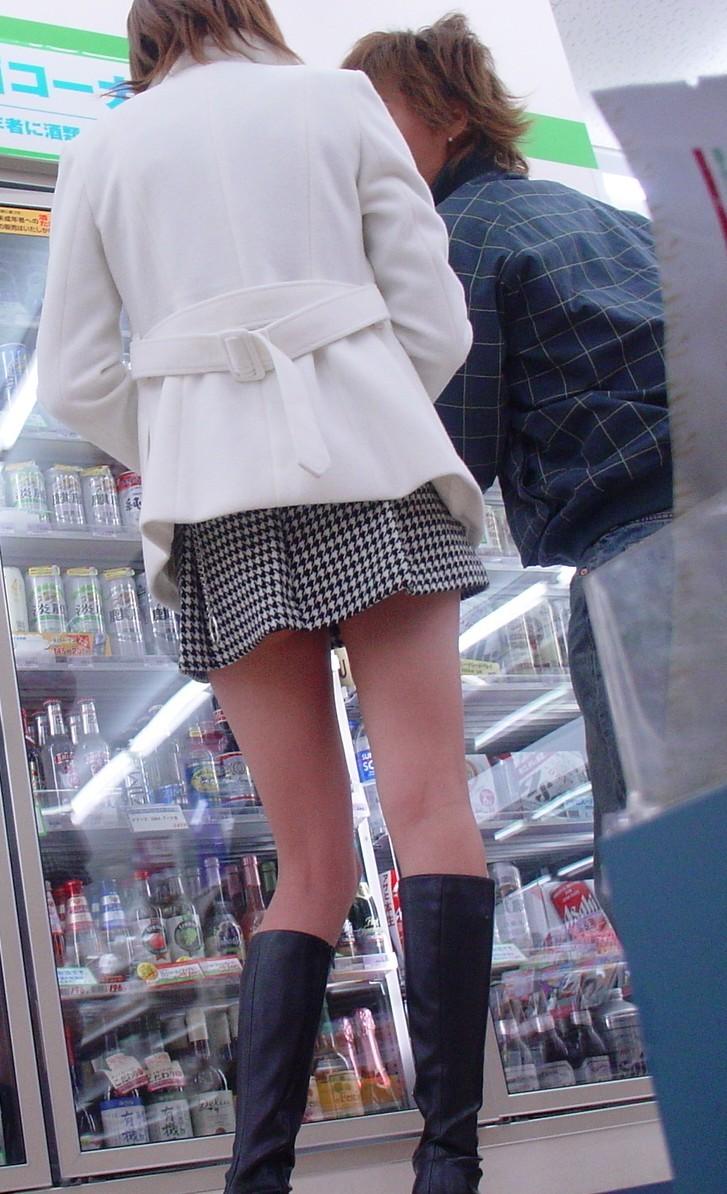 【太ももエロ画像】ムチムチが足りなくて…街行くお姉さん達で太もも成分を補給www 11