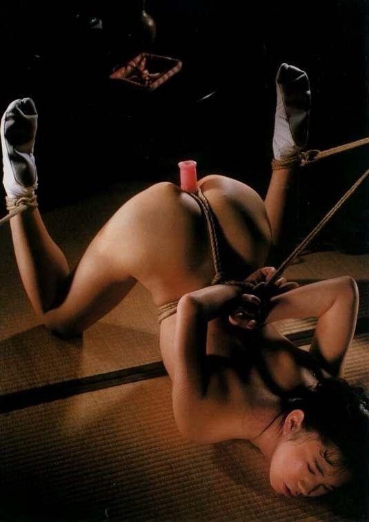 【SMエロ画像】責められて更に食い込む縄!緊縛調教は危険な快楽www 09