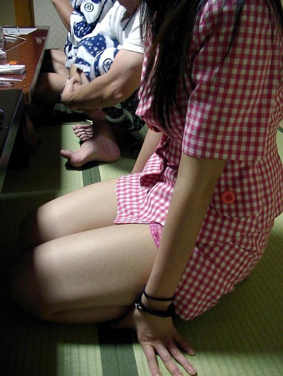 【宴会エロ画像】一度は呼んでみたいw出張の密かな楽しみピンクコンパニオンwww 04