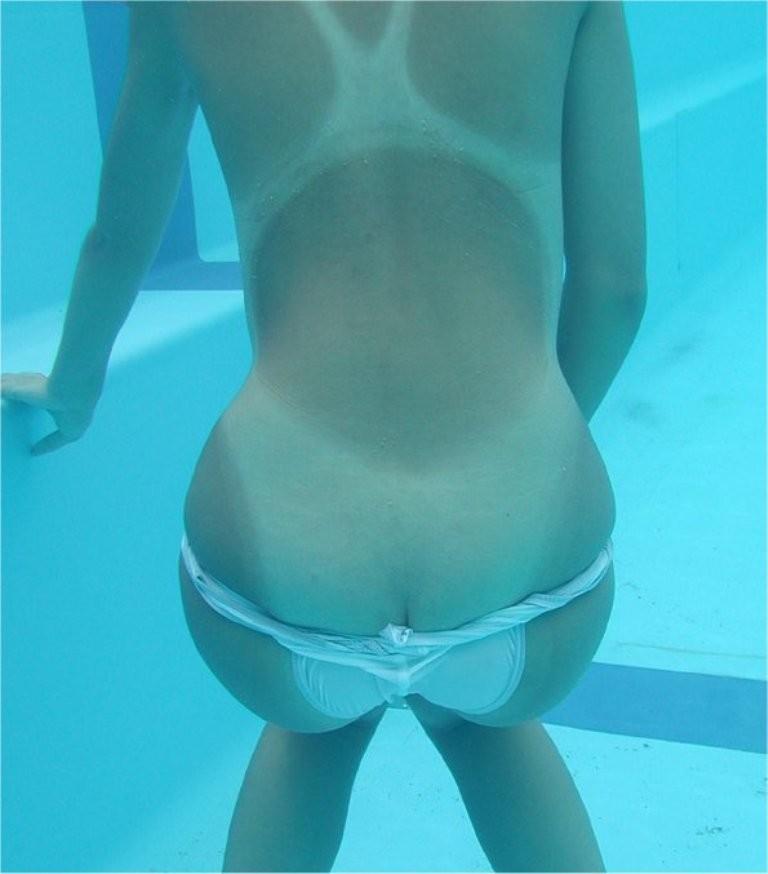 【水着エロ画像】水流に揉まれてますw水中で見た水着尻が神秘的すぎるwww 15