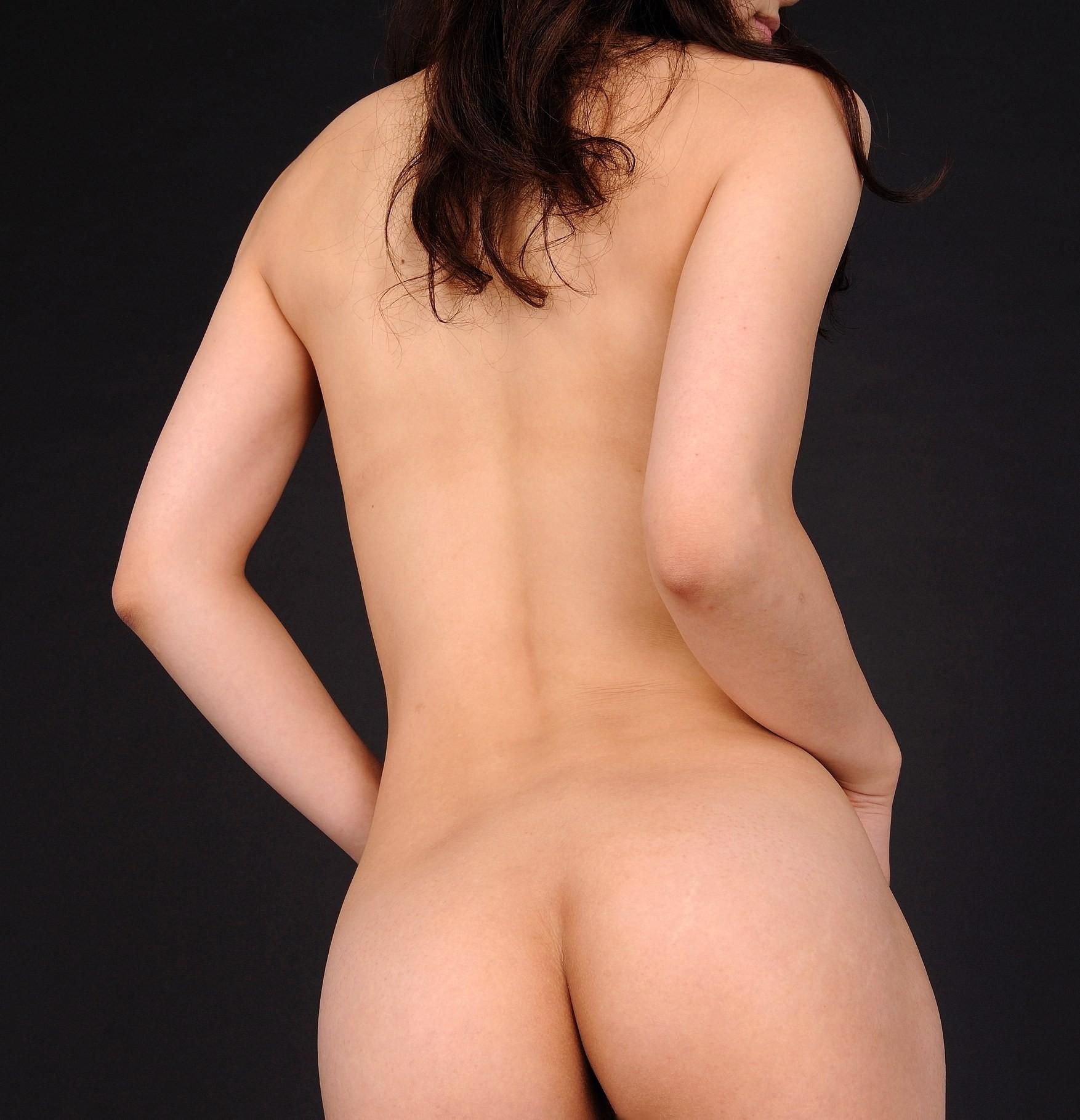 【背中フェチエロ画像】うなじから下まで舐め回したい…少し見える乳もたまらん女体の後ろwww 11