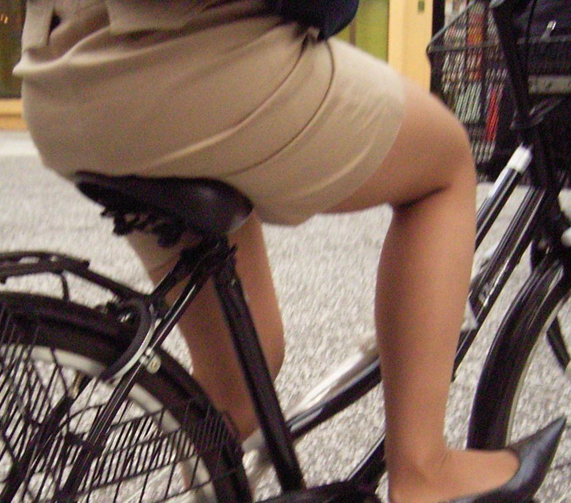 【着尻エロ画像】サドルは俺だ!潰れるほどに乗られてしまいたい自転車上のお尻www 10