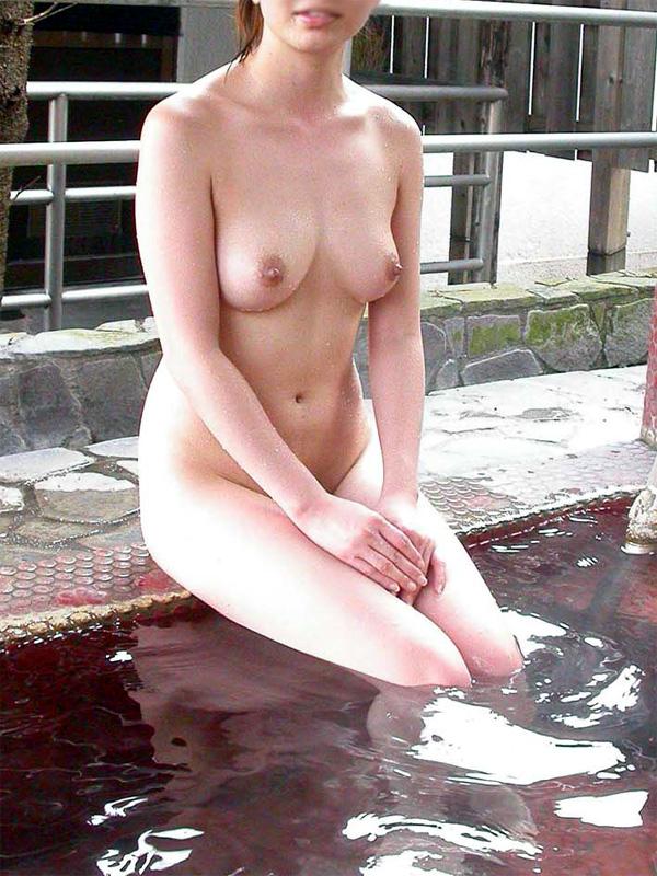 【入浴エロ画像】一緒に入れるなら逆上せてもイイw濡れてそそるお風呂の美女www 05