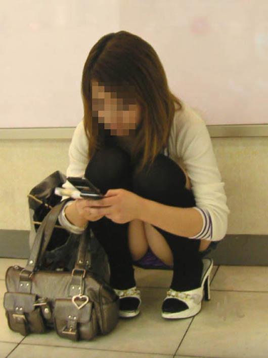 【素人】スカート履いてるのに・・・パンチラしてる事が分かっていない女の子達