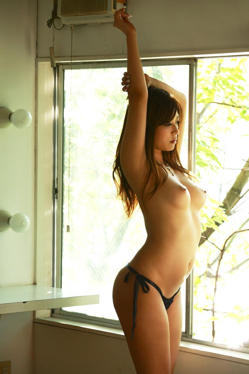 【腋フェチエロ画像】おっぱいは置いといてw乳を超えた?舐めたいと思わせる腋下www 09