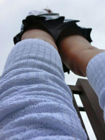 【パンチラエロ画像】ボケッと歩くミニスカ女子に対して撮る方は執念全開でパンチラ隠撮www 18