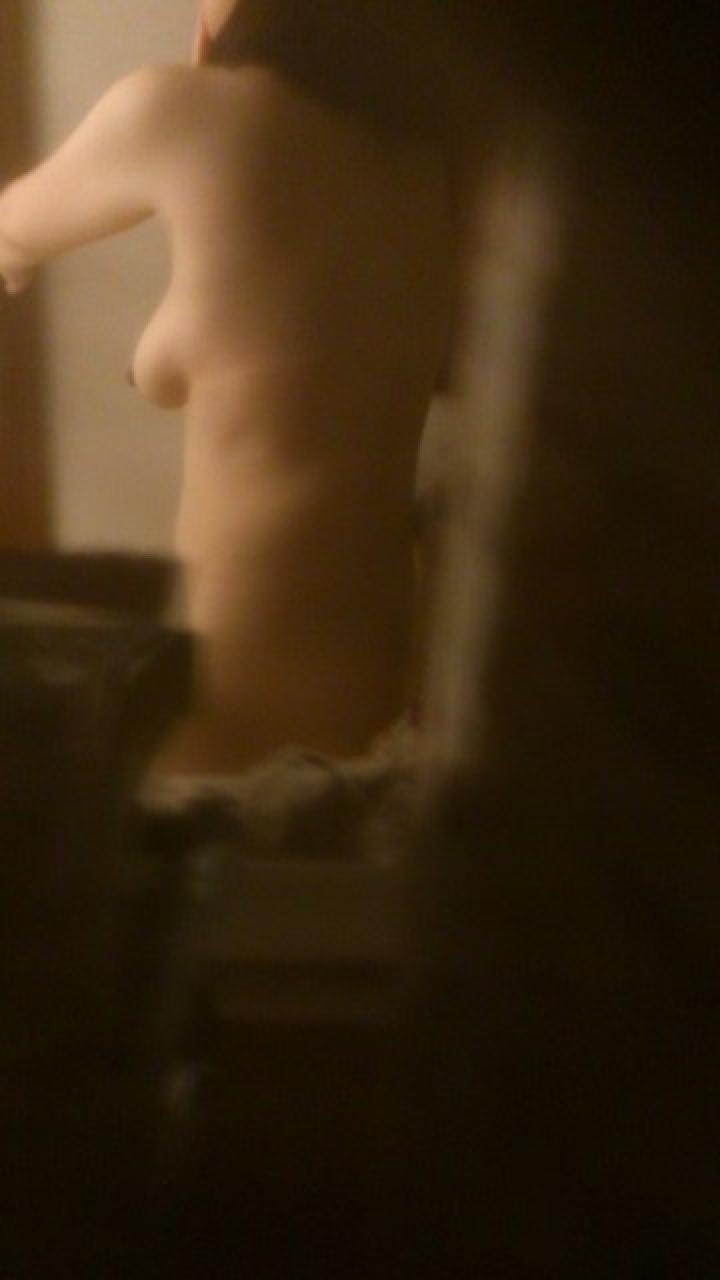 【民家エロ画像】窓開いてるから視界に入った…下手な言い訳は止めて民家の恥部覗きwww 15