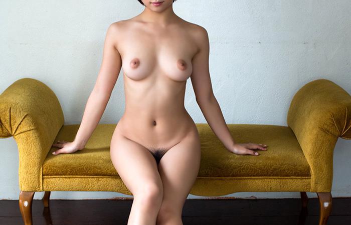 【裸体エロ画像】今すぐ密着したい!見たら即ギン勃ちさせる美女の全裸www 001