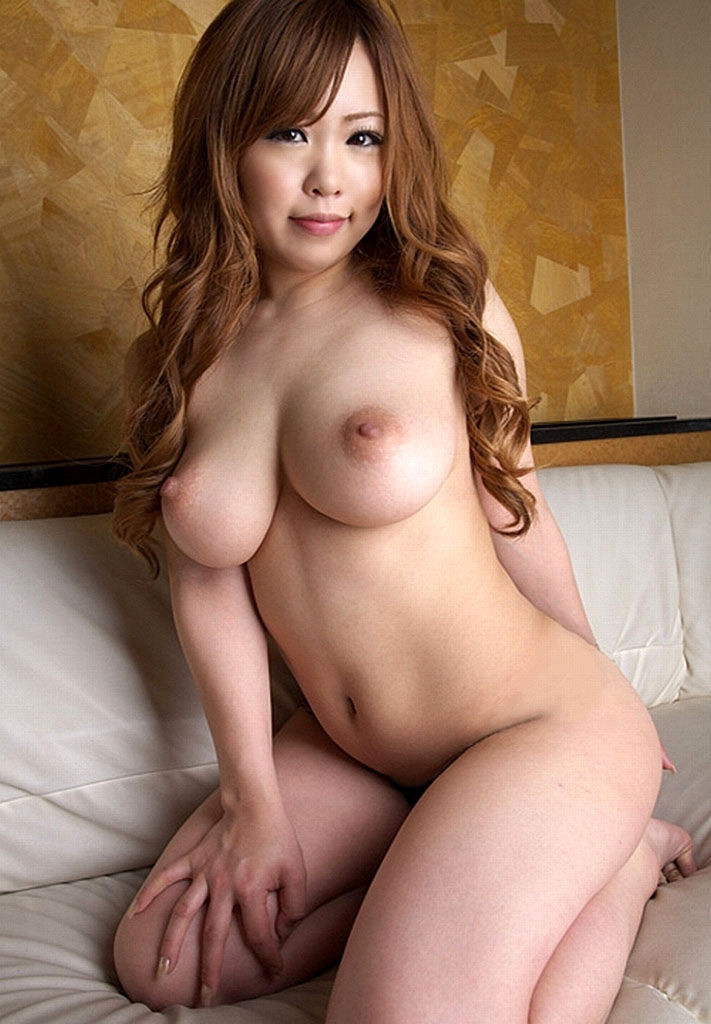 【裸体エロ画像】今すぐ密着したい!見たら即ギン勃ちさせる美女の全裸www 27