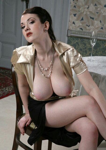【海外エロ画像】圧倒されてみたいこの乳…スケール違い過ぎ外人さんの美爆乳www 10