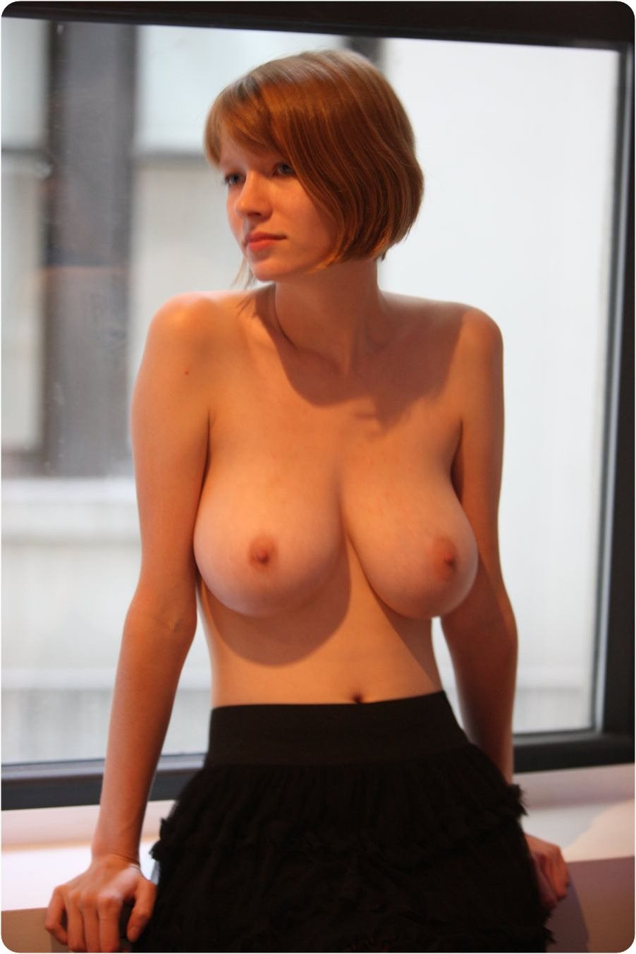 【海外エロ画像】圧倒されてみたいこの乳…スケール違い過ぎ外人さんの美爆乳www 30