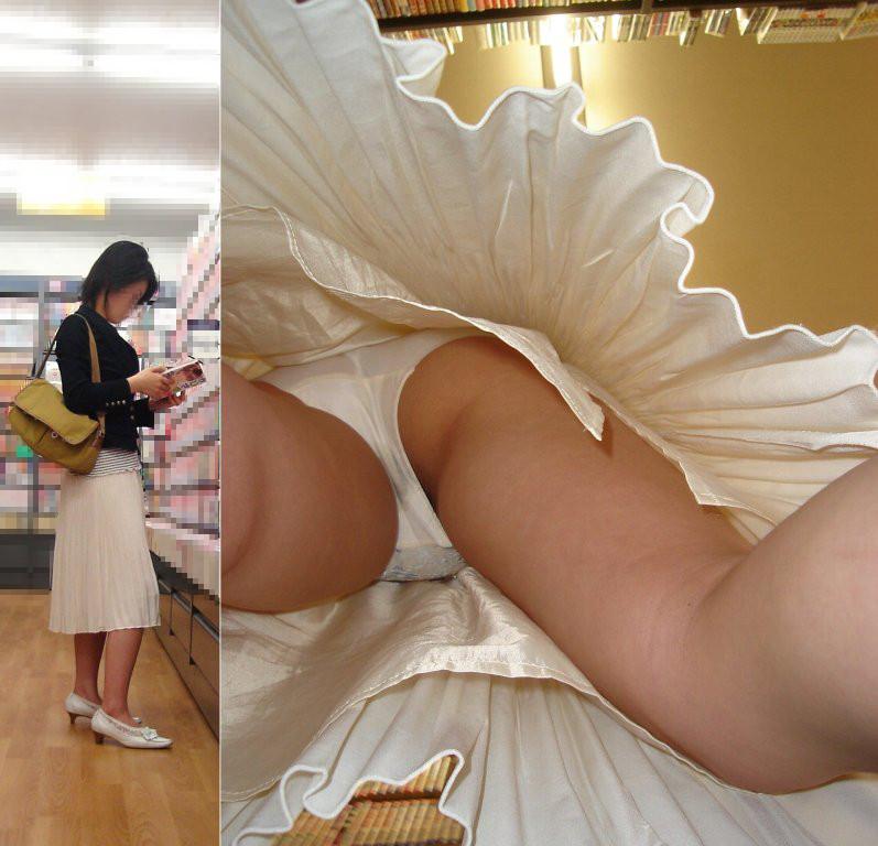 【パンチラエロ画像】どんな下着も丸見え!ムッチリ股間を逆さ撮りwww 17