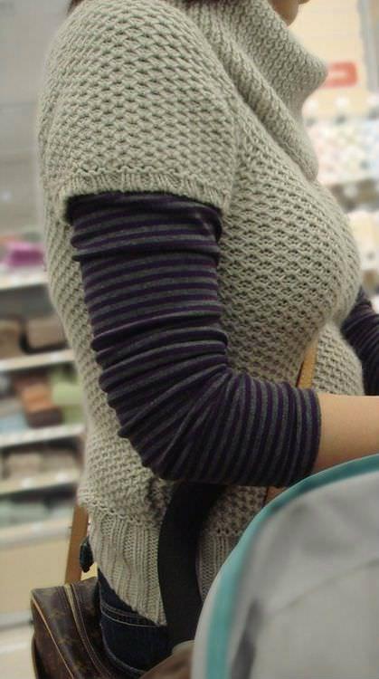 【巨乳エロ画像】本当のサイズは考えてる以上w去るまで見続けたい着衣巨乳www 06