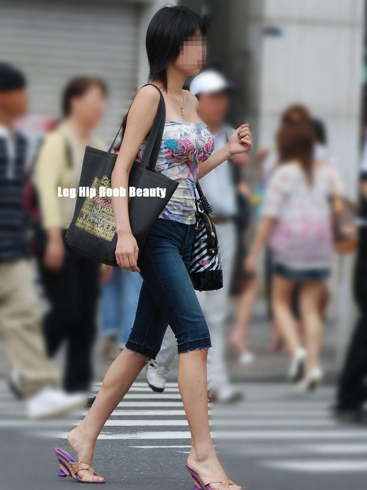 【巨乳エロ画像】本当のサイズは考えてる以上w去るまで見続けたい着衣巨乳www 14