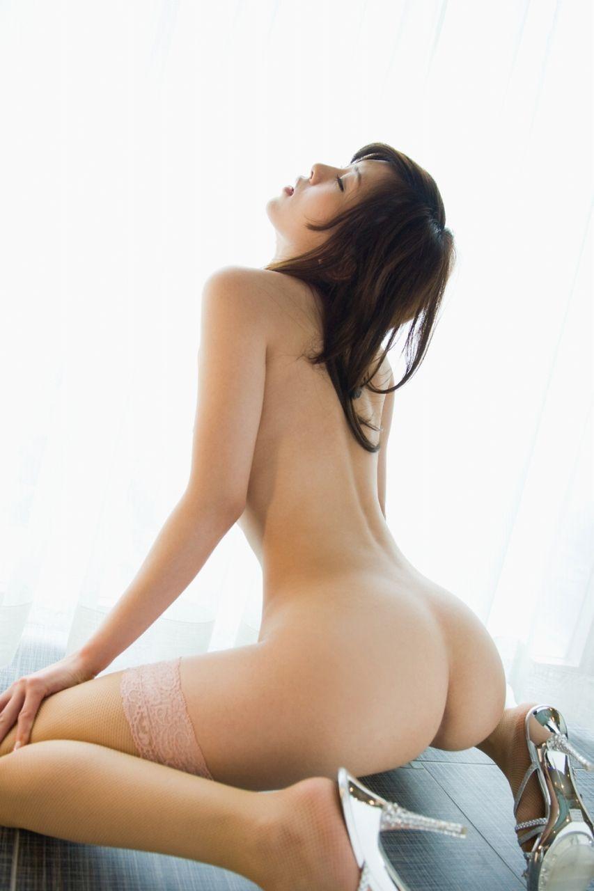 【美尻エロ画像】やっぱり何でも生が一番!遭遇すれば一発欲情な裸のお尻www 08