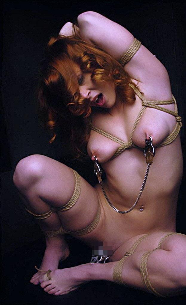 【BDSMエロ画像】超絶品の肉体を縛って更に卑猥さ倍増!海外M女の拘束図www 07