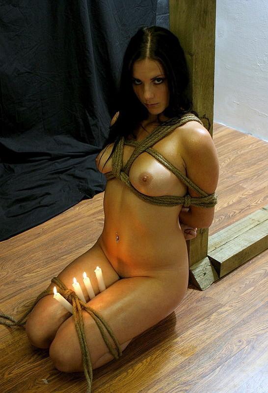 【BDSMエロ画像】超絶品の肉体を縛って更に卑猥さ倍増!海外M女の拘束図www 08
