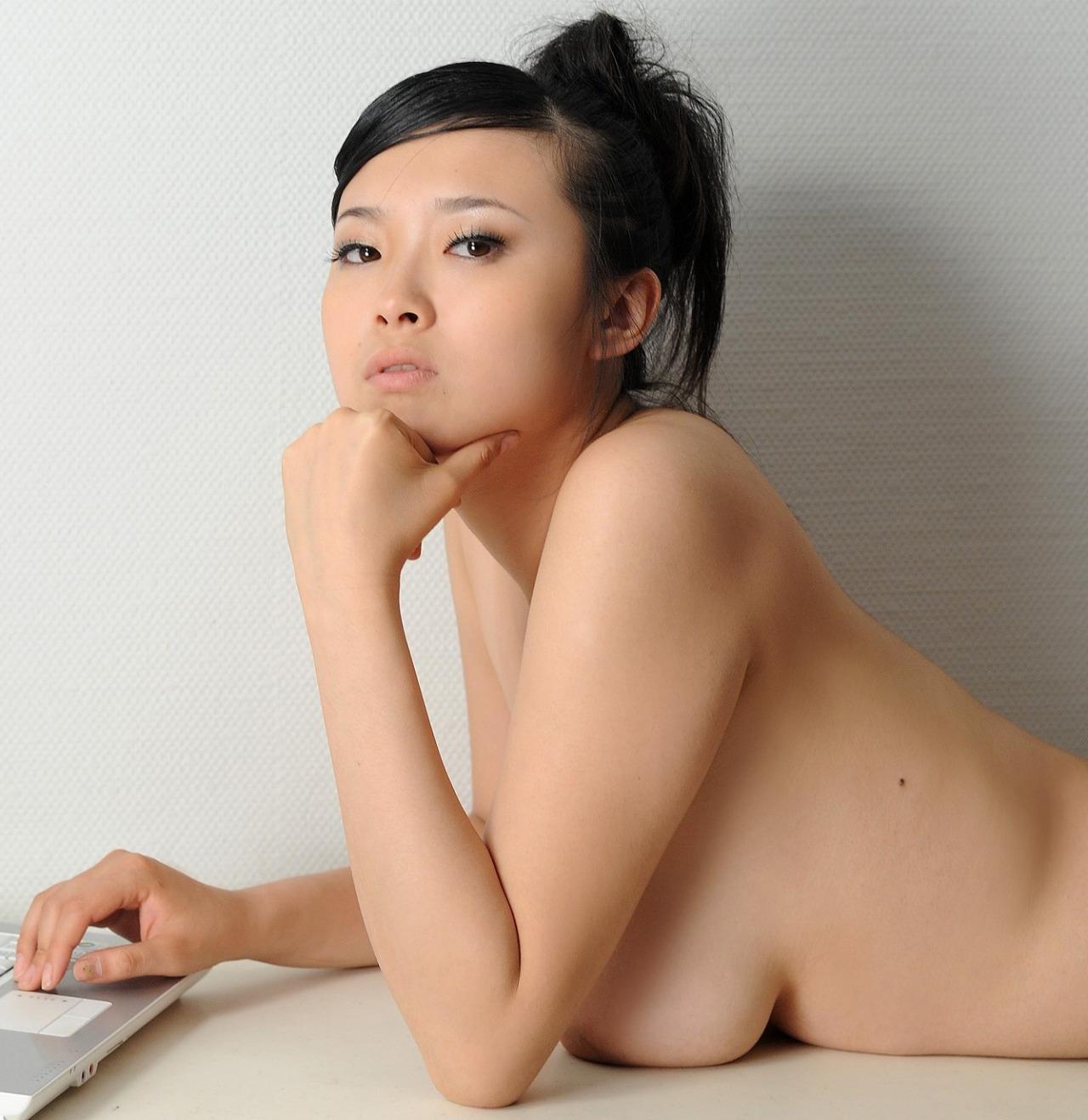 【海外エロ画像】西洋に負けない絶品ボディ!アジア各国の美乳ビューティーwww 30