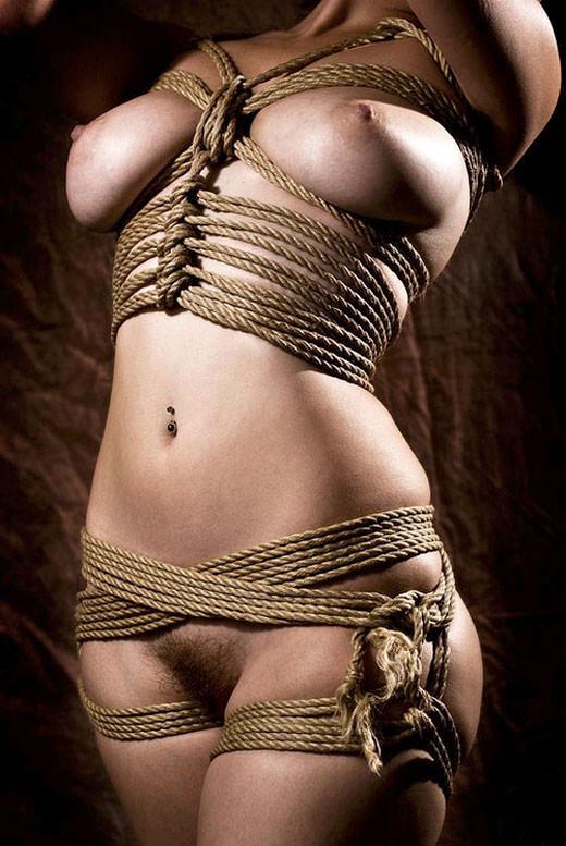 【SMエロ画像】豊満な程に縛り応えがw拘束でよりイヤらしく巨乳のM女www 28