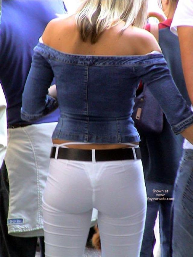 【透けパンエロ画像】誰も教えてくれないまま恥…着衣なのに下着丸見えな淑女たちwww 30