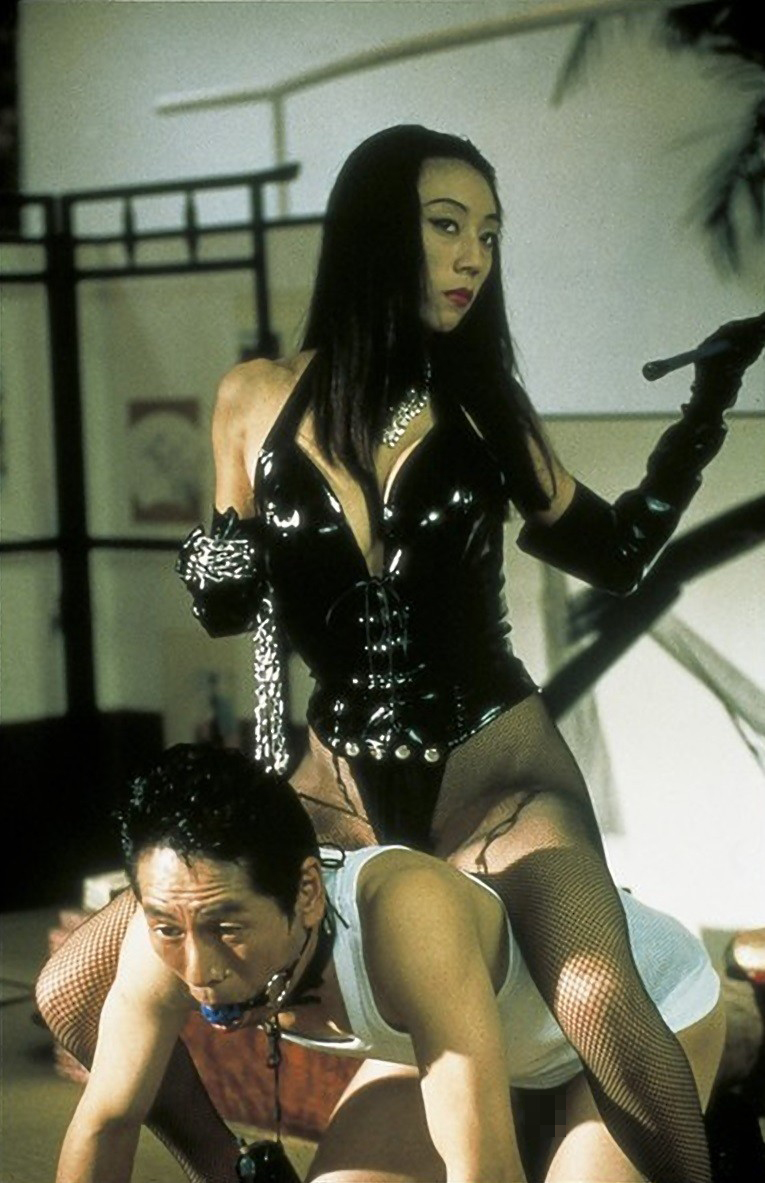 【SMエロ画像】とても逆らえる雰囲気じゃないw男は絶対服従すべき女王様とありがたい仕打ちwww 02